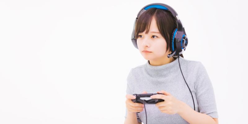 オンラインゲームに夢中な彼女